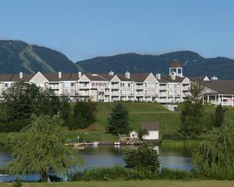 Manoir des Sables Hôtel & Golf - Orford Lake - Venkovní prostory