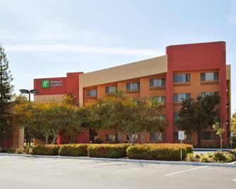 Holiday Inn Express Union City (San Jose) - Union City - Building