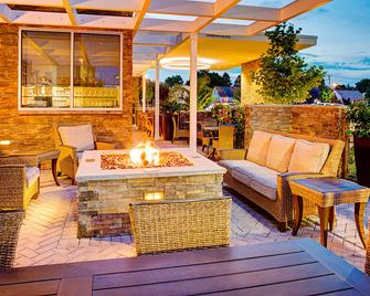 Springhill Suites by Marriott Carle Place Garden City - Carle Place - Patio