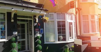 A&P at The Sheron House - Blackpool - Toà nhà