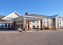 AmericInn by Wyndham Fort Pierre Conference Center - Fort Pierre - Building