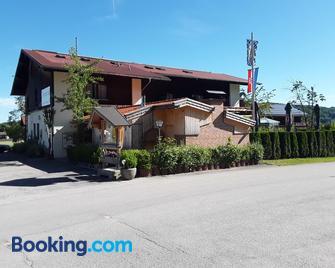 Mühlwinkler Hof - Bergen (Bavaria) - Building