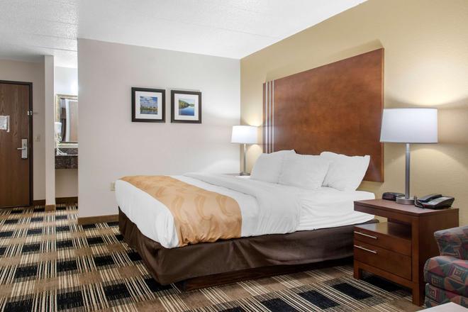 Quality Inn - Rochester - Bedroom