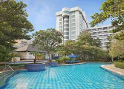 安可會議中心美居酒店 - 雅加達 - 北雅加達 - 游泳池