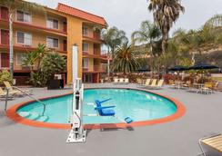 Days Inn Mission Valley Qualcomm Stadium/ SDSU - San Diego - Pool