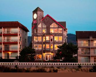 Seaside Oceanfront Inn - Seaside - Building