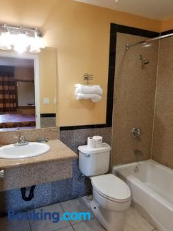 Central Inn Motel on 41 Street - Los Angeles - Phòng tắm