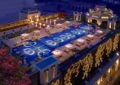 The Leela Palace Chennai - Chennai - Pool