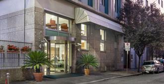 Quality Hotel Nova Domus - Rome - Building