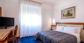 Quality Hotel Nova Domus - Rome - Bedroom