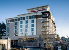 Hampton Inn & Suites by Hilton Seattle/Northgate - Seattle - Edificio