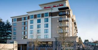 Hampton Inn & Suites by Hilton Seattle/Northgate - Seattle - Building