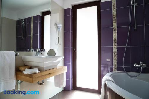 Oblique - Forest & Spa - Sinaia - Bathroom