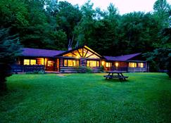 Creekwalk Inn and Cabins - Cosby - Building