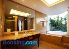 Zhongshan Yinquan Hotel - Zhongshan - Bathroom