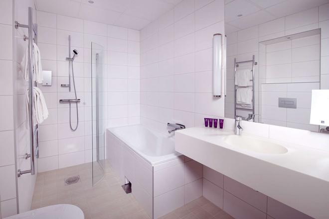 Clarion Collection Hotel Grand Sundsvall - Sundsvall - Bathroom