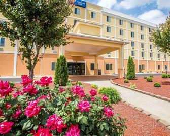 Comfort Inn Thomasville I-85 - Thomasville - Building