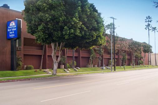 Americas Best Value Inn & Suites Los Angeles Downtown Sw - Лос-Анджелес - Вид снаружи