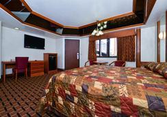 Americas Best Value Inn & Suites Los Angeles Downtown Sw - Лос-Анджелес - Спальня