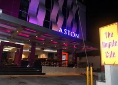 Aston Ketapang City Hotel - Ketapang - Building