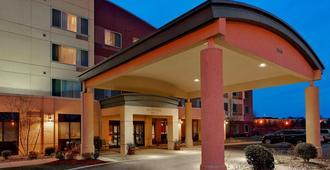 Courtyard by Marriott Louisville Northeast - Λούισβιλ - Κτίριο