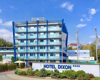 Hotel Dixon - Banska Bystrica - Gebouw