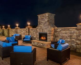 Fairfield Inn & Suites by Marriott Washington - Вашингтон - Патіо