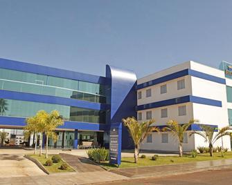 Bernal Hotel Econômico - Ituiutaba - Building