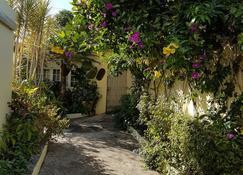 Kingston Cottage - Kingston - Outdoor view