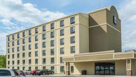 Comfort Inn The Pointe - Niagara Falls - Building