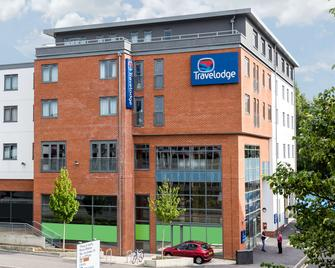 Travelodge Camberley Central - Кемберли - Здание
