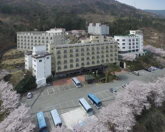 Geoje Oasis Hotel - Geoje - Building
