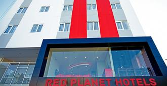 Red Planet Makassar - Makassar - Building