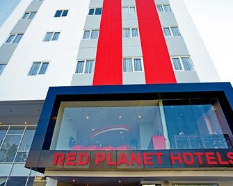 Red Planet Makassar - Макассар - Building