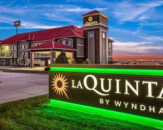 La Quinta Inn & Suites by Wyndham North Platte - Норт-Платте - Building