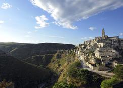 Sextantio Le Grotte Della Civita - Matera - Widok na zewnątrz
