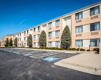 Sleep Inn and Suites Princeton I-77 - Princeton - Edificio