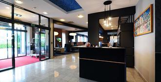 Best Western Hotel Stella - Zagreb - Front desk