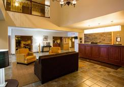 Sleep Inn & Suites Conference Center - Eau Claire - Lobby