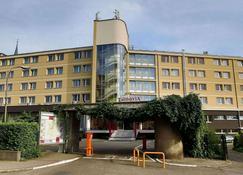 Hotel Tarnovia - Tarnów - Edificio