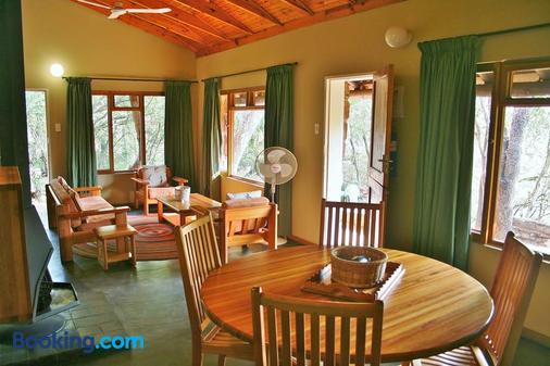 Hlane Royal National Park - Caravan Park - Simunye - Dining room