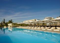 Holiday Inn Tbilisi - Tiflis - Pileta