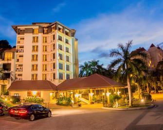 Palm Garden Hotel - Путраджайа - Здание