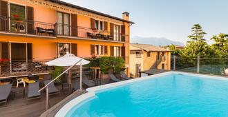Hotel Dolomiti - Malcesine - Piscina