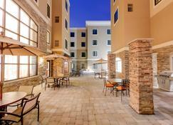 安娜堡研究公園道路駐橋套房酒店 - 安亞伯 - 安阿伯 - 餐廳