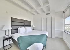 Stay Alfred At Drayton Tower - Savannah - Bedroom