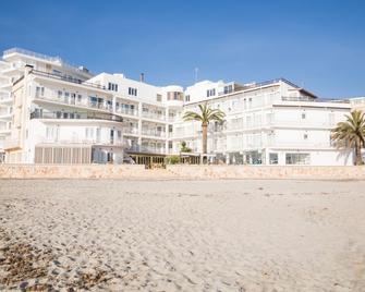 Hotel Club S'illot - S'Illot - Building