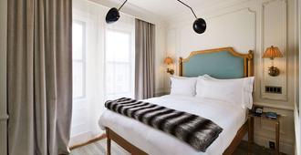 โรงแรมเดอะมาร์ลตัน - นิวยอร์ก - ห้องนอน