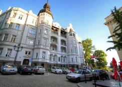 Bishop Apartments - Brno - Building