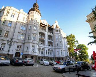 Bishop Apartments - Brno - Building